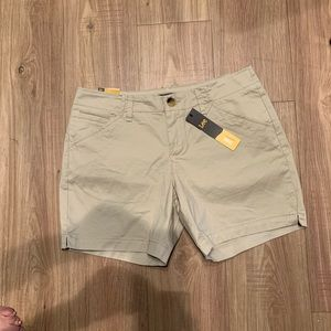 Lee Womens Mid Rise Shorts.  Size 8 NWT